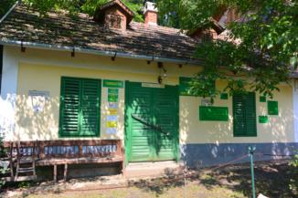 az Erdei Mini Múzeum egy felújított műemlék házban működik