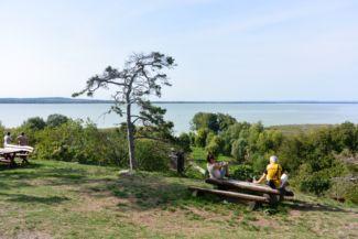 kilátás a Szent Mihály-dombi pihenőhelyről