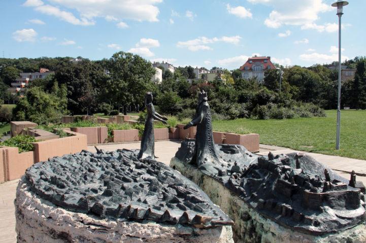 Kilátókő-szobor