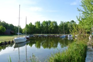 kikötő a Lidóstrand mellett