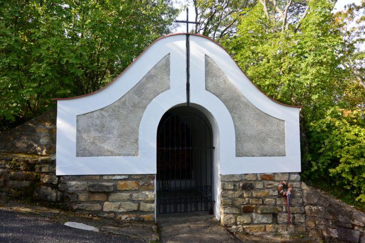Halász-emlékhely a Szent Mihály-dombon