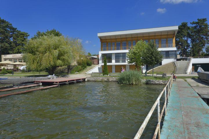 Új Kajakház Ökoturisztikai Központ