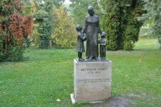 Brunszvik Teréz-szobor