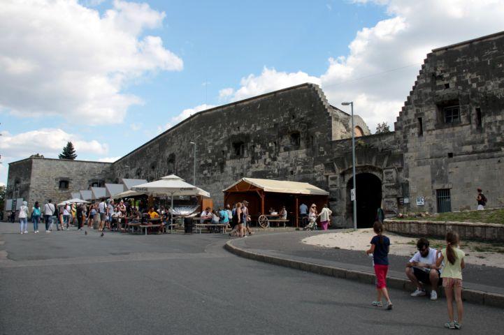 a Citadella körüli sétányon