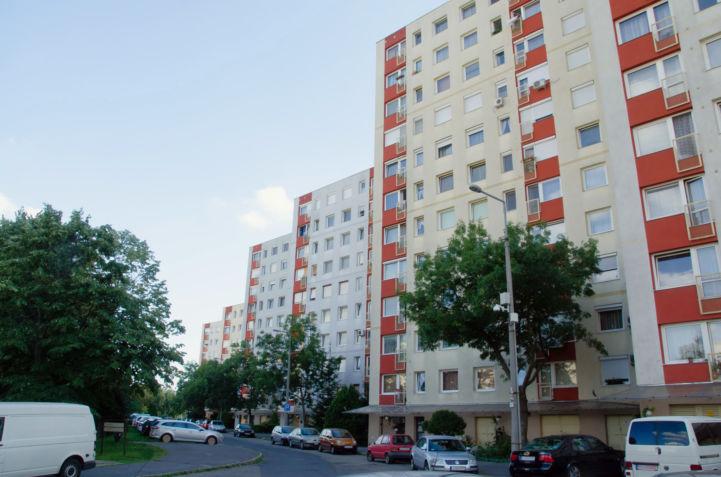 Csíki-hegyek utca a gazdagréti lakótelepen