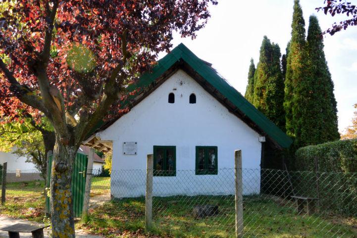a balatonberényi tájház, amely a Múltház nevet viseli
