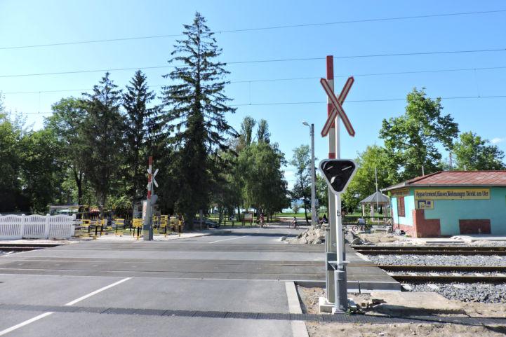 keresztezzük a Budapest-Nagykanizsa vasútvonalat