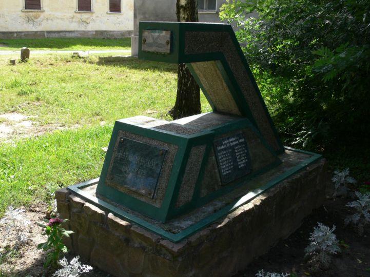 Határőr hősök emlékműve