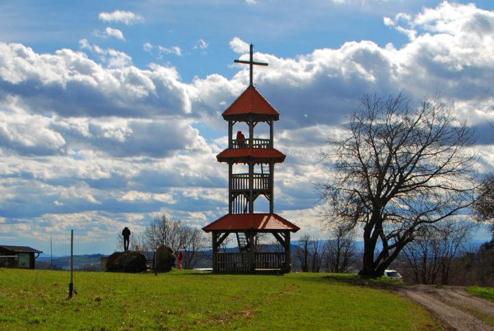 kilátó a Hegyszoros-hegyen (Sotinski breg / Kugla) Szlovéniában