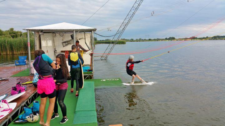 leveleki wakeboard pálya - start pillanata