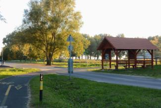 esőbeálló pihenőhely Alsógyenes és Keszthely határában