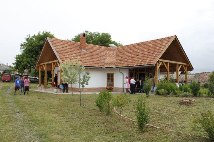 új épület