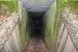 Bunker bejárata a Páka és Csömödér közti erdőben