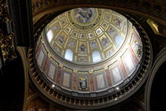 a Bazilika kupolája belülről