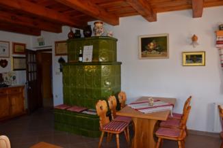 borkóstolót is tartanak a a lendvai Rozsmán (Rožman) pincében