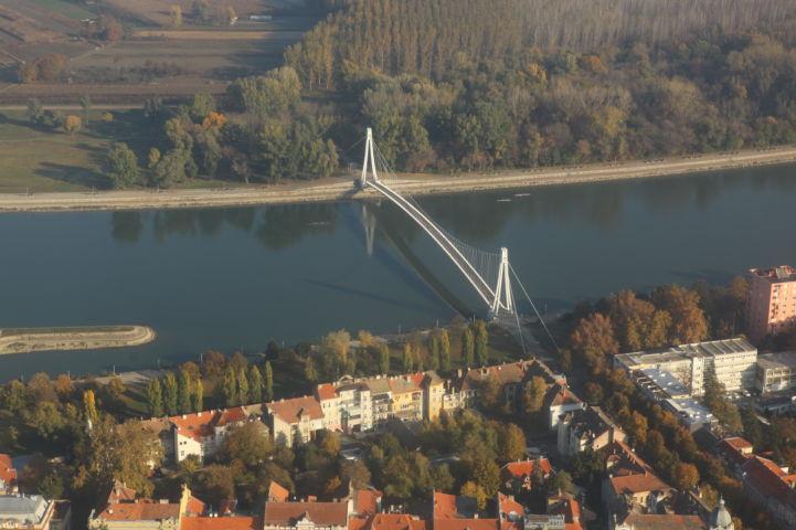 Pješački most Promenada Foto: Zeleni Osijek, Općina Antunovac