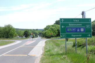 útban Visz felé keresztezzük a 67-es utat