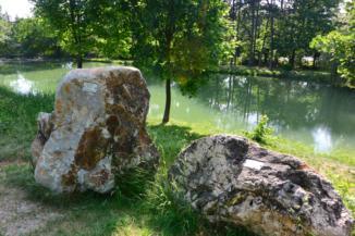 geológiai bemutatóhely a Felsőtárkányi-tó partján
