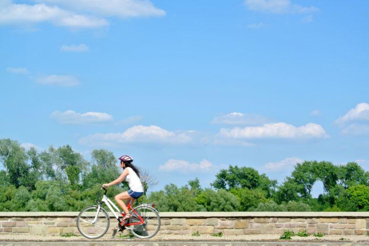 kerékpáros a Dunakorzón
