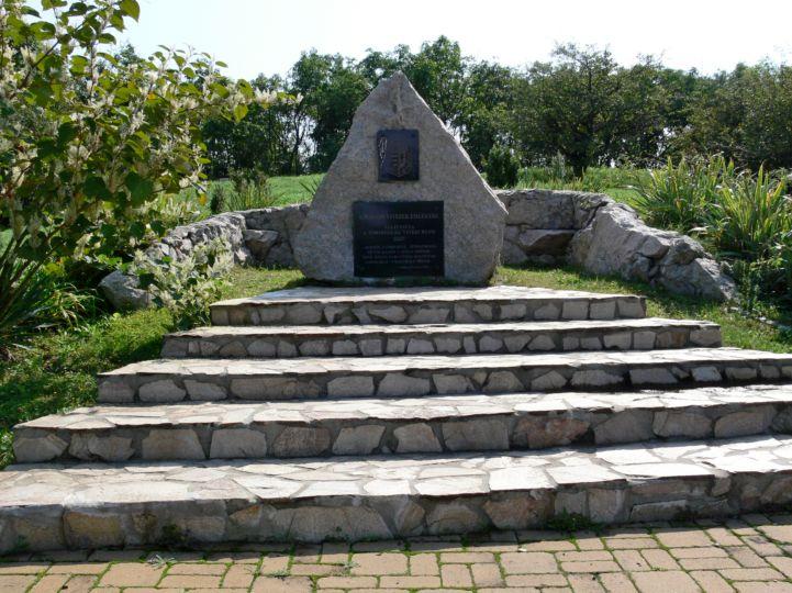 Vitézi Emlékmű
