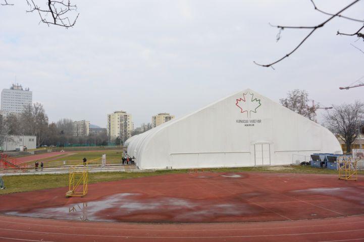 Kanadai-Magyar Hokiklub SE jégpálya sátra