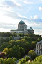 a Bazilika a Szent Tamás-hegy felől nézve