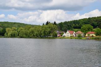 Kistolmácsi-tó keleti oldala