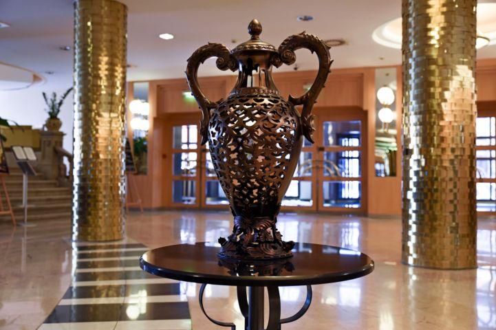 Teréz krt. 43.: az egykori Britannia, majd Béke Hotel díszes belső tere Fotó: Malustyik Mariann Forrás: Budapest100