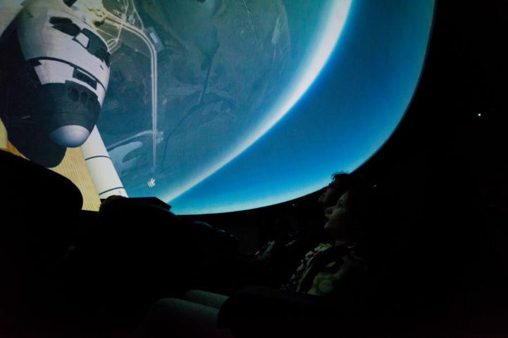 vetítőkupolás planetárium