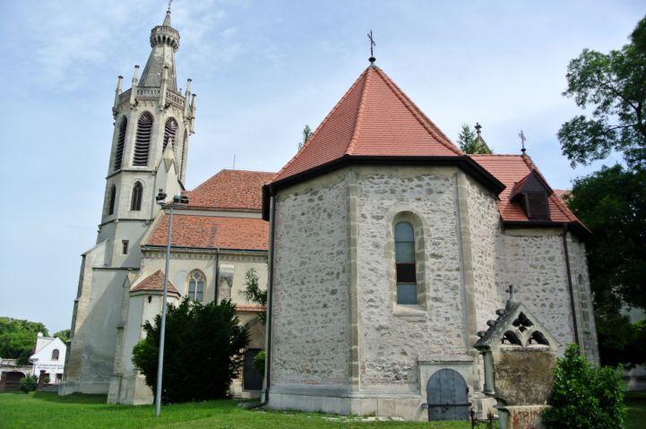 Szent Jakab-kápolna a Szent Mihály főangyal-templom mellett