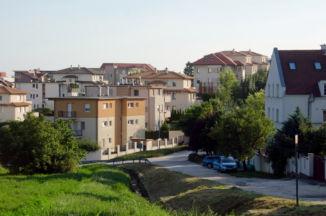 lakópark a Hosszúréti utcában