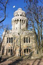 az Erzsébet-kilátó a keleti oldalról