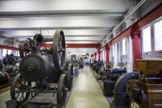 régi műszaki eszközök a Műszaki Tanulmánytárban