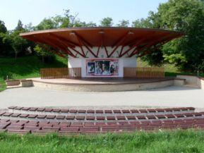 Templomkert Hagyományőrző Turisztikai Központ szabadtéri színpada
