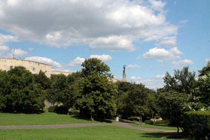Citadella és Szabadság-szobor a Gellért-hegyről