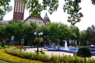 városháza előtérben a Zsolnay szökőkút