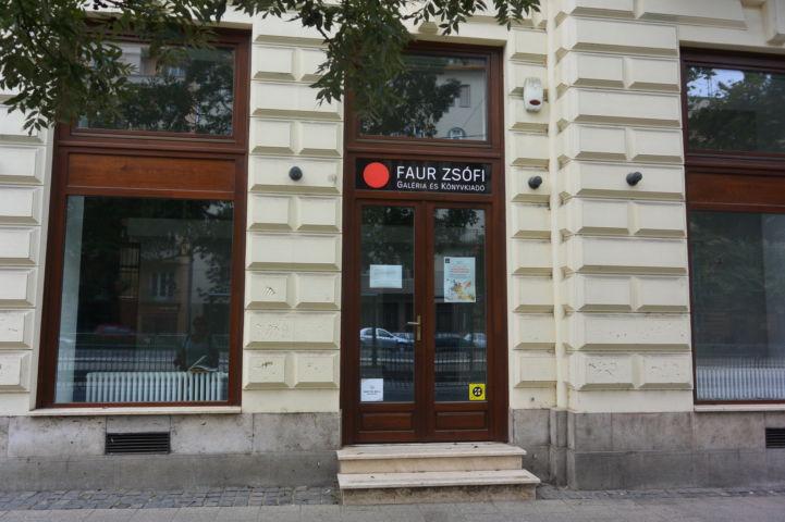 a Faur Zsófi Galéria bejárata