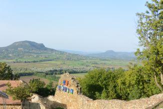 kilátás a Szent György-hegyre a szigligeti várból
