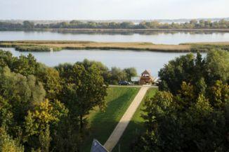 kilátás a Tisza-tavi Ökocentrum Körpanorámás kilátótornyából