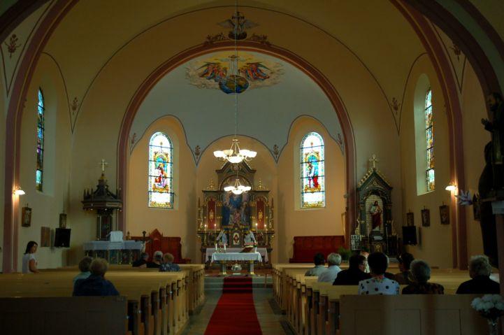 Szentolvasó Királynéja templombelső