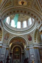 díszes Bazilika belső és kupola