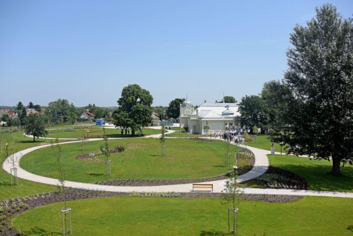 Halász Gedeon központ, kastélypark