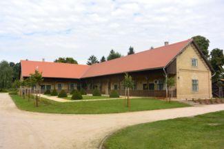 Karapancsai Kastély melléképülete