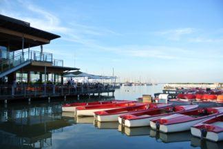 étterem a kikötőben
