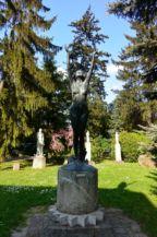 Kelő napsugár című bronzszobor