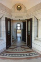ajtó a csigalépcsőkhöz