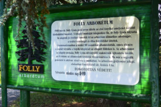Folly Arborétum információs táblája