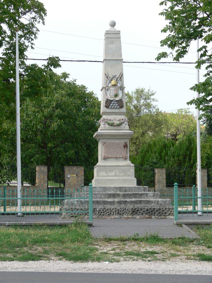 Pákozdi csata emlékműve