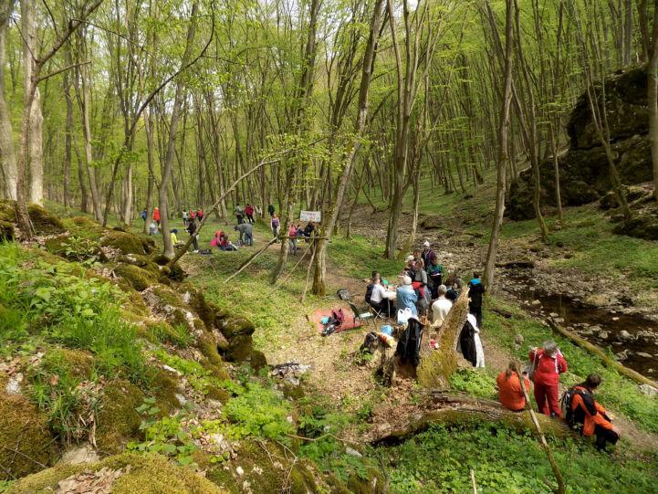 turisták a Telekes völgyben