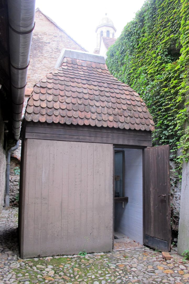 a rituális fürdőhely épülete